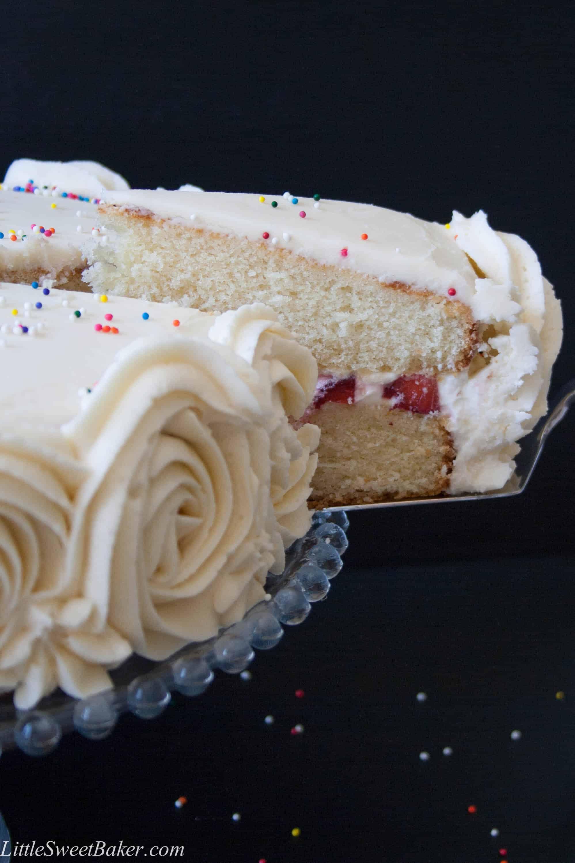Vanilla Cake Recipe With Strawberries And Cream Filling