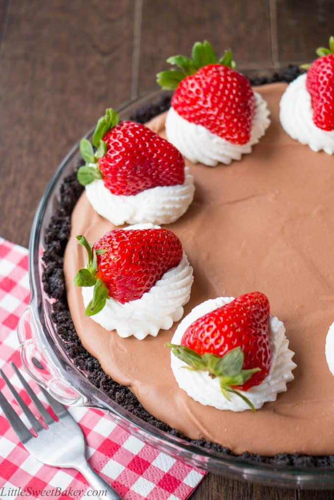 A creamy, silky-smooth chocolate mousse on top of a dark chocolate Oreo cookie crust. This pie is absolute chocolate heaven! {Video Recipe}