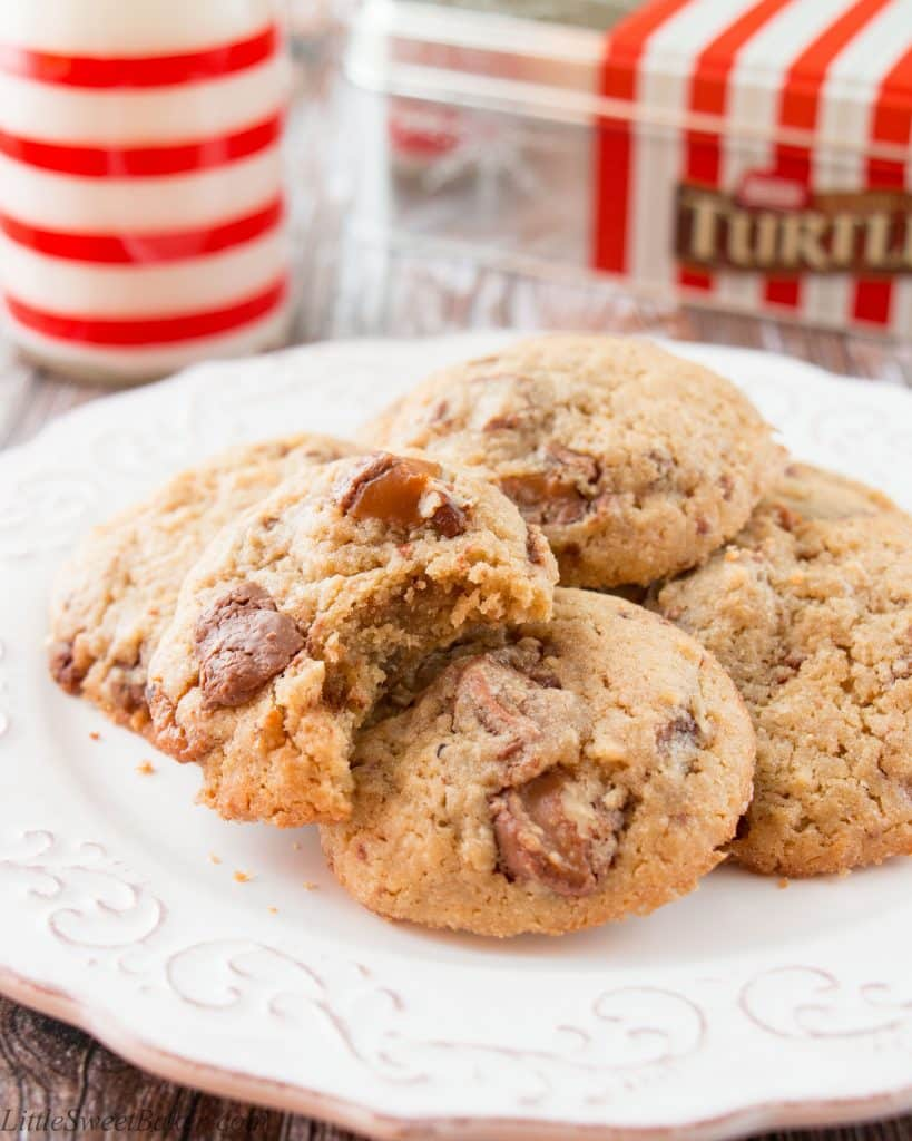 Chewy caramel, nutty pecans and milk chocolate all wrapped up in a delicious little cookie.
