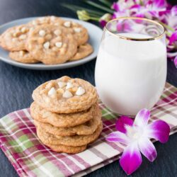 These ultra-chewy cookies are loaded with creamy white chocolate and heavenly macadamia nuts. #whitechocolatemacadamianutcookies #whitechocolatechipcookies #whitechocolatemacadamiacookies #softchocolatechipcookies #chewychocolatechipcookies