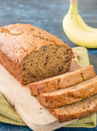 This healthy banana bread is moist, dense and naturally sweet. It's made with whole wheat flour, extra-virgin olive oil and honey for wholesome goodness without sacrificing taste. #healthybananabread #wholewheatbananabread #nosugar