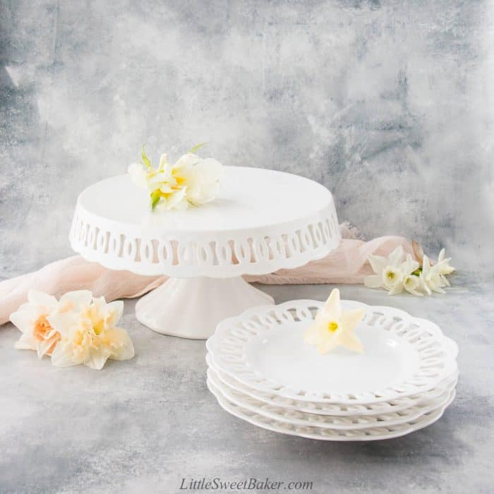 Williams Sonoma La Porcellana Bianca Firenze Cake Stand and matching plates.